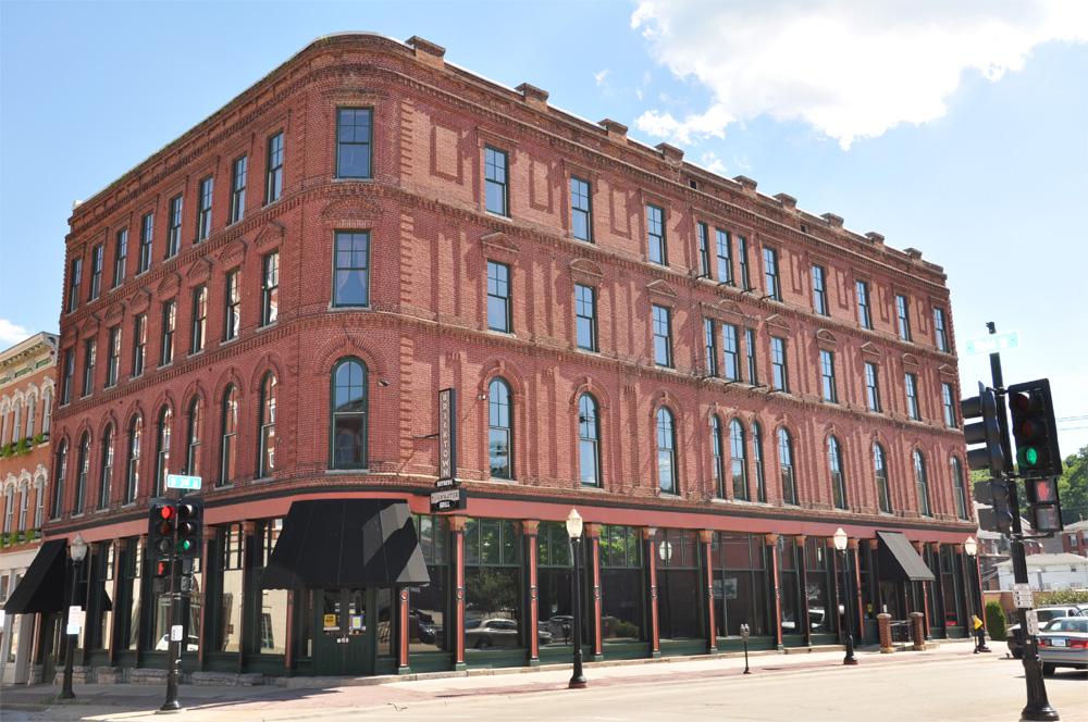 Iowa City Studio Apartments Downtown